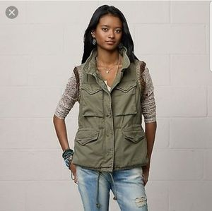 Ralph Lauren Army green  (Boho feather vest)
